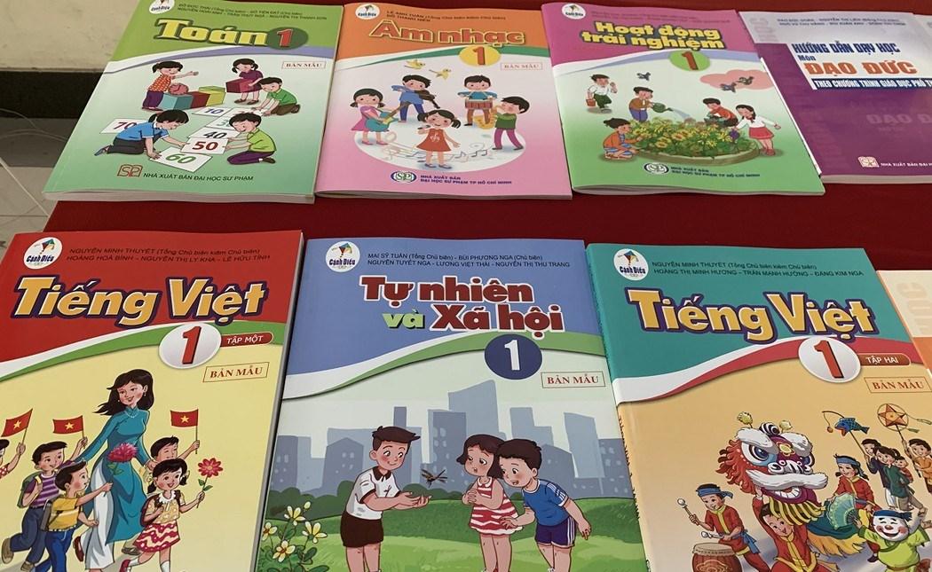 Sách giáo khoa lớp 1 sử dụng trong cơ sở giáo dục phổ thông